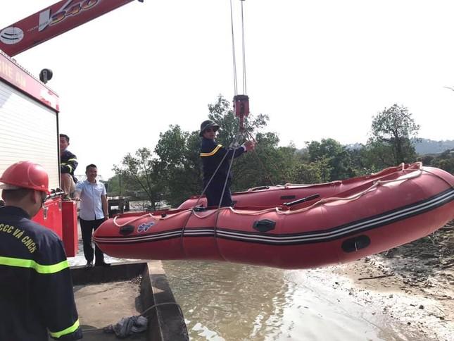 Để lại thư tuyệt mệnh và xe máy, người đàn ông nhảy xuống sông Lam tự vẫn ảnh 1