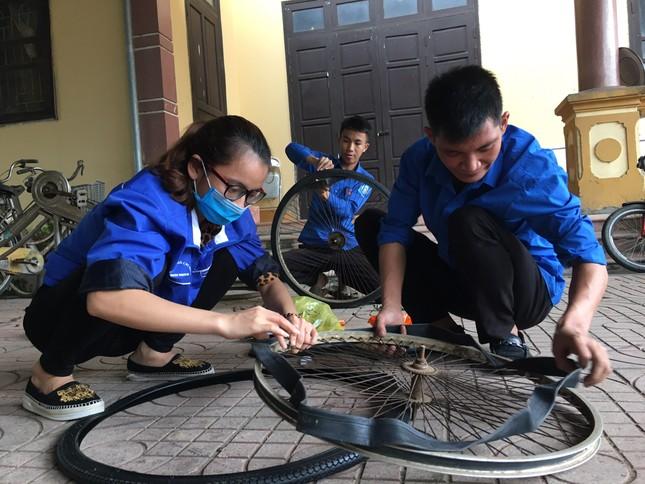 Đoàn thanh niên Hà Tĩnh 'biến' phế liệu thành xe đạp tặng học sinh nghèo ảnh 4