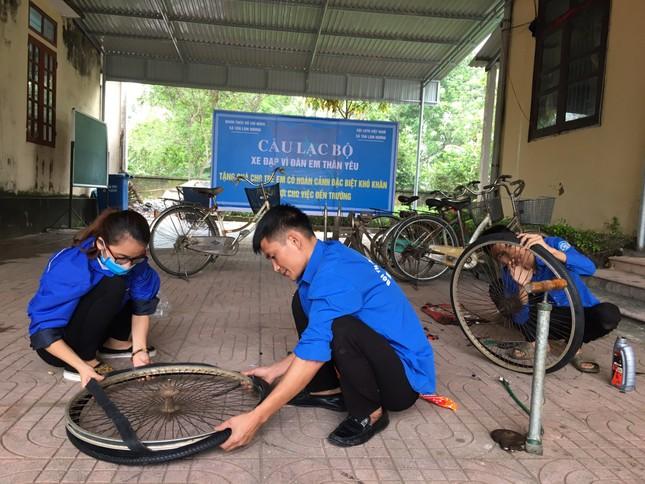 Đoàn thanh niên Hà Tĩnh 'biến' phế liệu thành xe đạp tặng học sinh nghèo ảnh 1