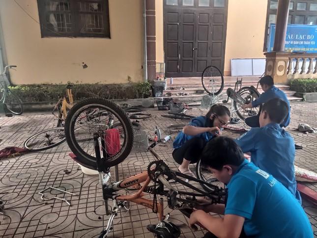 Đoàn thanh niên Hà Tĩnh 'biến' phế liệu thành xe đạp tặng học sinh nghèo ảnh 3