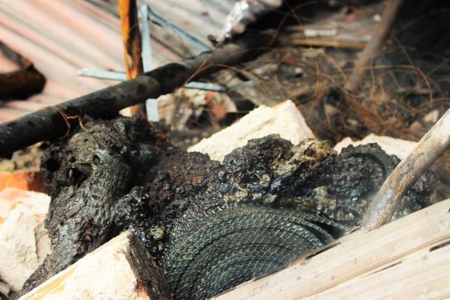 Hiện trường vụ cháy khiến hai ông cháu tử vong ở Hà Tĩnh ảnh 10