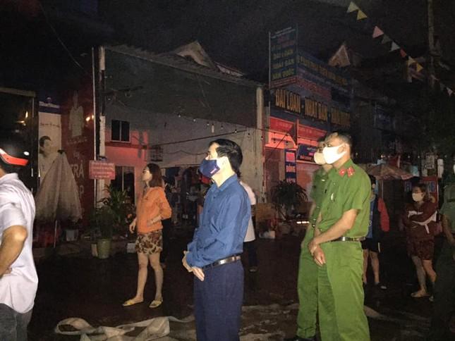 Hai ông cháu tử vong trong cửa hàng bốc cháy lúc rạng sáng ảnh 2