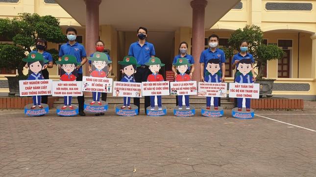 Thanh niên Hà Tĩnh tuyên truyền chống dịch COVID-19 bằng hình chibi ngộ nghĩnh ảnh 1