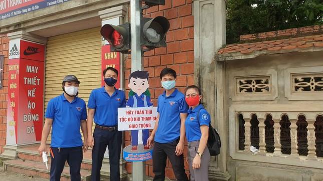 Thanh niên Hà Tĩnh tuyên truyền chống dịch COVID-19 bằng hình chibi ngộ nghĩnh ảnh 4