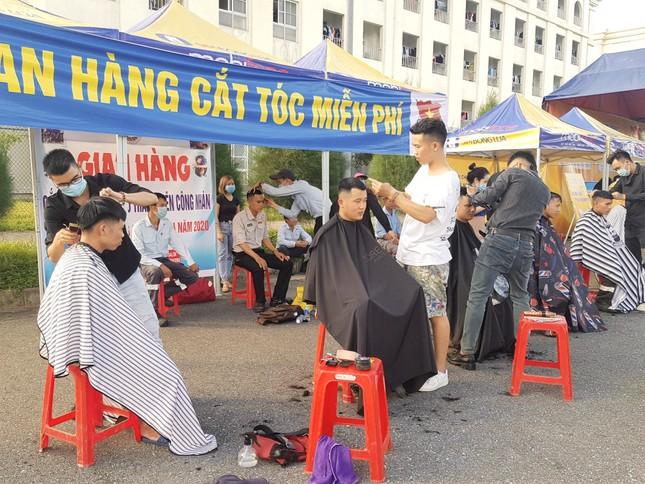 'Gian hàng 0 đồng' ấm lòng thanh niên công nhân ở Hà Tĩnh ảnh 7