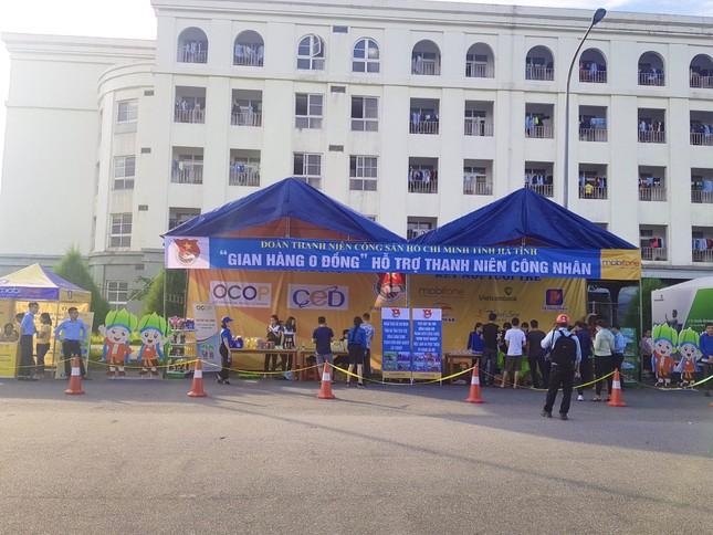 'Gian hàng 0 đồng' ấm lòng thanh niên công nhân ở Hà Tĩnh ảnh 5