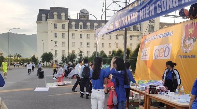 'Gian hàng 0 đồng' ấm lòng thanh niên công nhân ở Hà Tĩnh ảnh 4