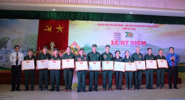 TNXP Hà Tĩnh phát huy truyền thống anh hùng, giáo dục lý tưởng cho thế hệ trẻ ảnh 2