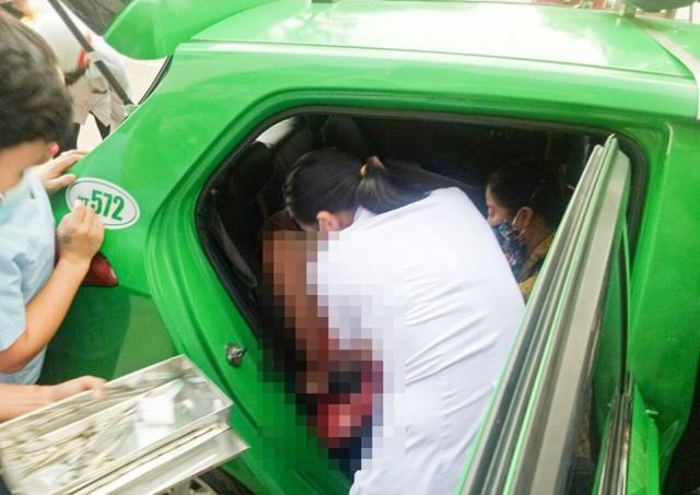 Tài xế taxi đỡ đẻ cho sản phụ chuyển dạ trên đường đến bệnh viện ảnh 1