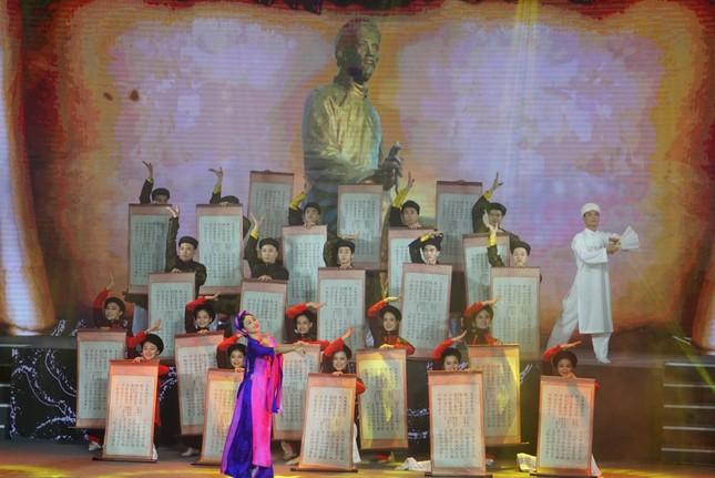  Kỷ niệm 255 năm ngày sinh, tưởng niệm 200 năm ngày mất Đại thi hào Nguyễn Du  ảnh 1