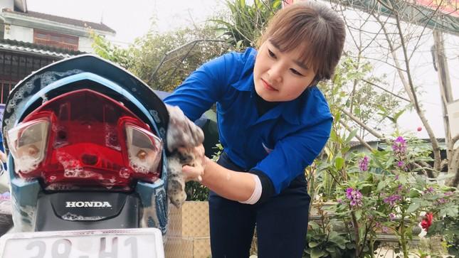 Tuổi trẻ Hà Tĩnh rửa xe, bán gạo gây quỹ hưởng ứng Tết vì người nghèo ảnh 4