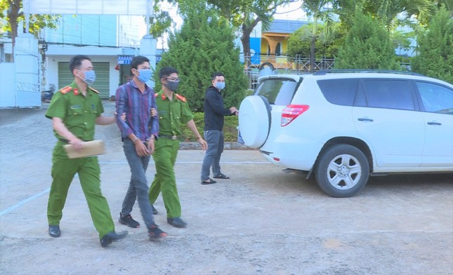Nam thanh niên dùng xe máy chở cả bao tải ma túy đi giao ảnh 4