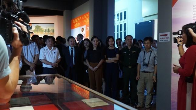Trưng bày bảo vật quốc gia 'Đường Kách Mệnh' ảnh 2