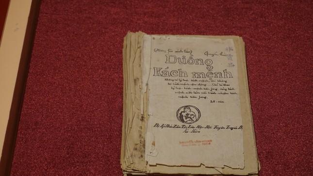 Trưng bày bảo vật quốc gia 'Đường Kách Mệnh' ảnh 1