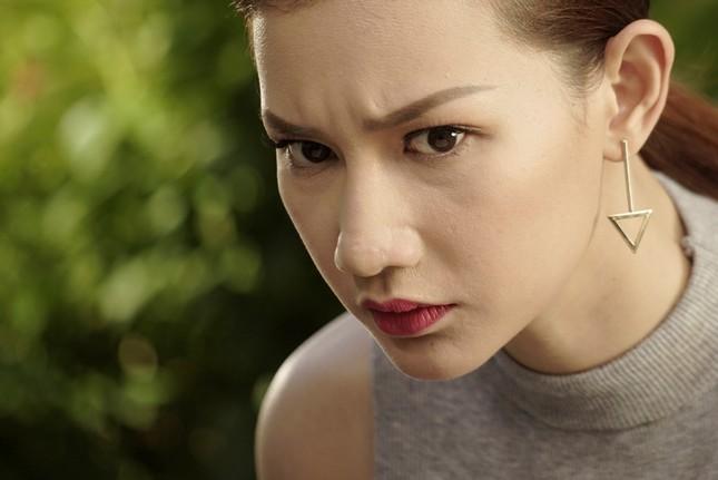 Quý Bình - Quỳnh Chi bối rối vì con rơi ảnh 1