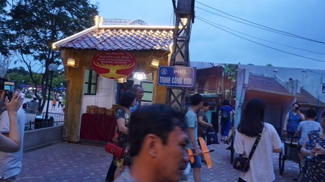 Vì sao phố đi bộ Trịnh Công Sơn chưa hút khách? ảnh 8