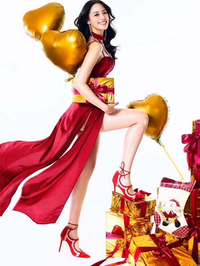 Người đẹp Biển Nguyễn Hoàng Bảo Châu tung ảnh Noel rực rỡ ảnh 4