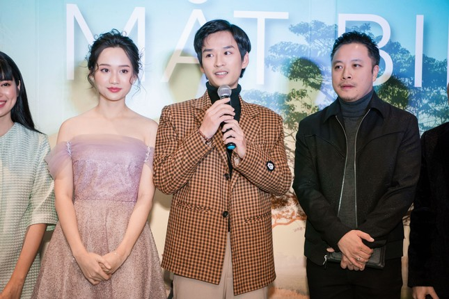 Phan Mạnh Quỳnh và Victor Vũ đưa 'Mắt Biếc' ra mắt ở Hà Nội ảnh 3