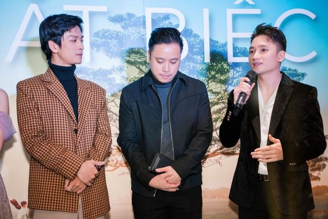 Phan Mạnh Quỳnh và Victor Vũ đưa 'Mắt Biếc' ra mắt ở Hà Nội ảnh 1