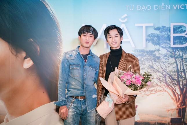 Phan Mạnh Quỳnh và Victor Vũ đưa 'Mắt Biếc' ra mắt ở Hà Nội ảnh 5