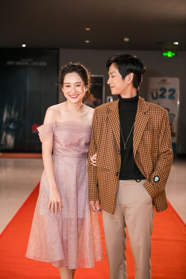 Phan Mạnh Quỳnh và Victor Vũ đưa 'Mắt Biếc' ra mắt ở Hà Nội ảnh 2