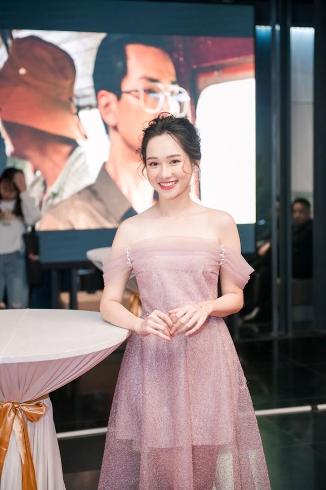 Phan Mạnh Quỳnh và Victor Vũ đưa 'Mắt Biếc' ra mắt ở Hà Nội ảnh 4