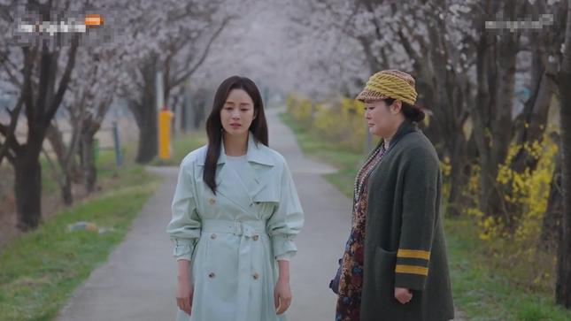 Kết phim đẫm nước mắt nhưng ấm áp của 'Chào mẹ tạm biệt' ảnh 4