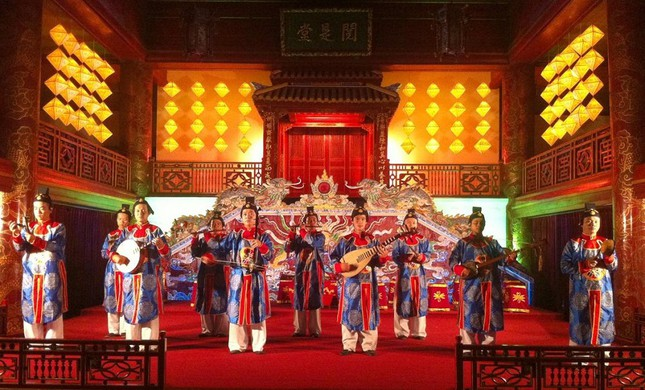 Nhà nghiên cứu Bùi Trọng Hiền mổ xẻ phim Trung Quốc bị tố dùng nhã nhạc Huế ảnh 2