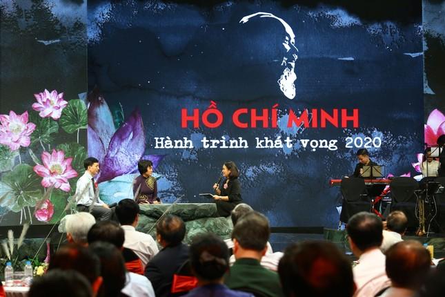 Trần Đăng Khoa tiết lộ về tập thơ đầu tay tặng Bác Hồ ảnh 3