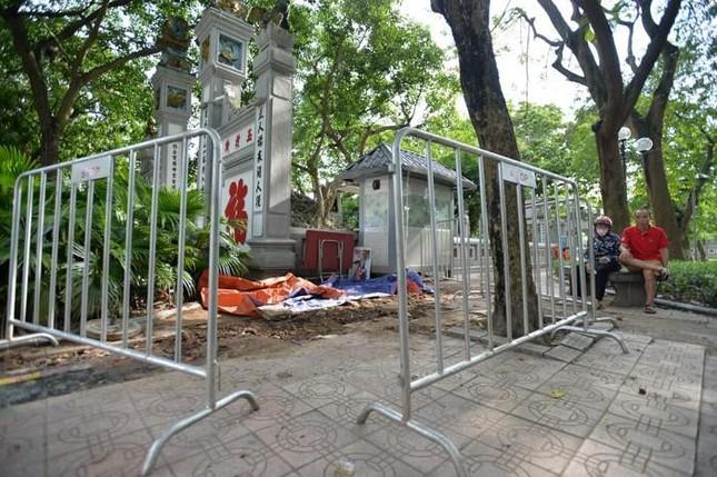 Thực hư phát hiện 7 ngôi mộ cổ ở đền Ngọc Sơn ảnh 2