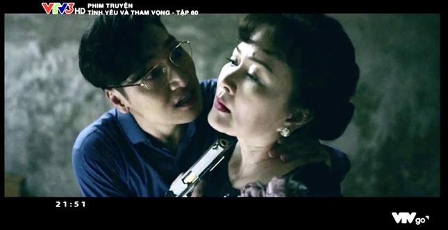 Tình yêu và tham vọng tập cuối: Phong cầm súng dọa bà Khuê (NSND Minh Hòa), Linh trúng đạn ảnh 3