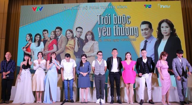 Lan Phương, Trương Quỳnh Anh cùng vợ chồng Tú Vi-Văn Anh đóng phim giờ vàng VTV ảnh 5