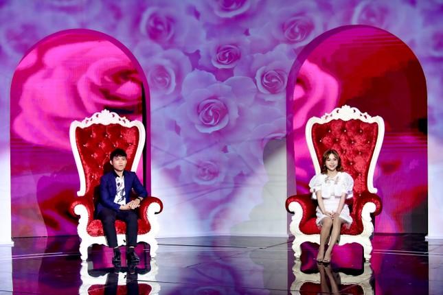 MC Cát Tường và Xuân Bắc làm 'ông tơ bà nguyệt' của gameshow hẹn hò 'Chân ái' ảnh 4