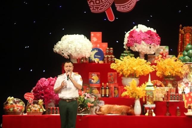 Nghệ sĩ hội ngộ Ngày giỗ tổ nghề sân khấu, NSND Tự Long hát chèo trình tổ ảnh 11