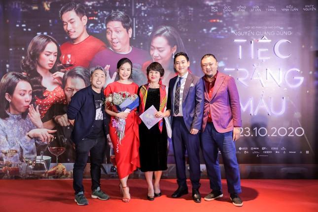 Kaity Nguyễn-Kiều Minh Tuấn và dàn sao 'Tiệc trăng máu' hội ngộ trên thảm đỏ ảnh 3