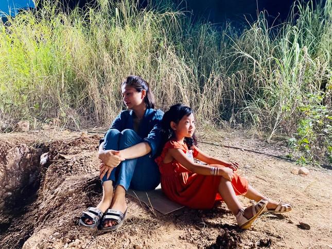 Mạnh Trường sánh vai Kiều Anh 'Phía trước là bầu trời' trong phim mới ảnh 3