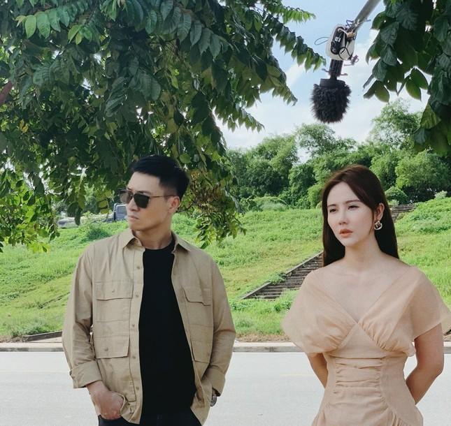 Mạnh Trường sánh vai Kiều Anh 'Phía trước là bầu trời' trong phim mới ảnh 1
