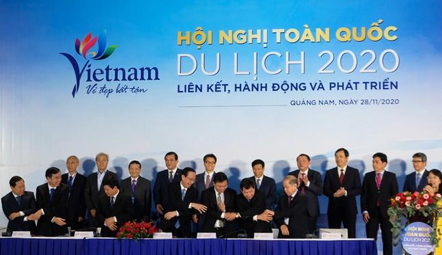 Phó Thủ tướng Vũ Đức Đam: Nắm tay nhau hành động đưa du lịch vượt khủng hoảng ảnh 3