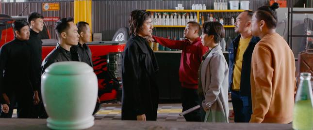 'Chị Mười Ba' của Thu Trang áp đảo phòng vé mùa lễ hội ảnh 1