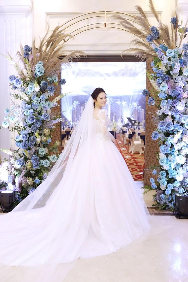 Ca sĩ Tân Nhàn bất ngờ kết hôn với một Phó giáo sư trẻ ảnh 4
