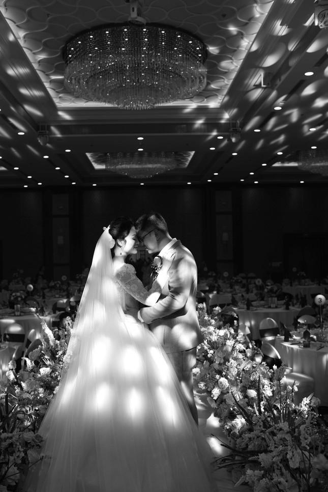Ca sĩ Tân Nhàn bất ngờ kết hôn với một Phó giáo sư trẻ ảnh 2