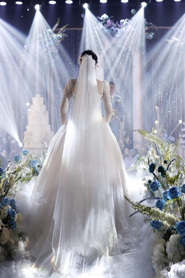 Ca sĩ Tân Nhàn bất ngờ kết hôn với một Phó giáo sư trẻ ảnh 8