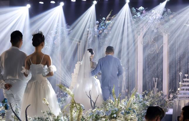 Ca sĩ Tân Nhàn bất ngờ kết hôn với một Phó giáo sư trẻ ảnh 7