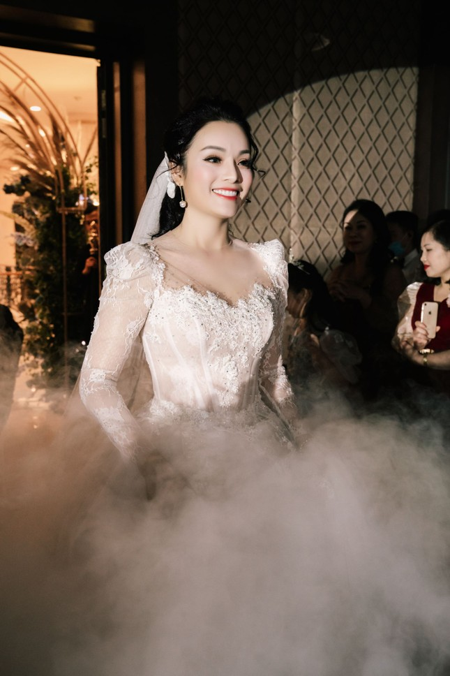Ca sĩ Tân Nhàn bất ngờ kết hôn với một Phó giáo sư trẻ ảnh 6