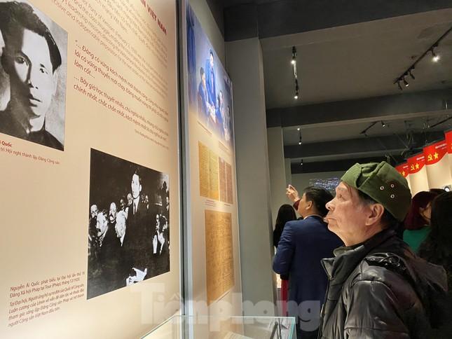 Hàng trăm tài liệu, hiện vật tái hiện lịch sử hào hùng và 12 kỳ đại hội Đảng ảnh 6