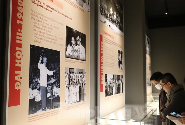 Hàng trăm tài liệu, hiện vật tái hiện lịch sử hào hùng và 12 kỳ đại hội Đảng ảnh 5