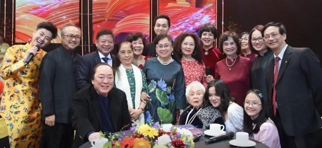 NSND Đặng Thái Sơn về nước dự tọa đàm sách của bố sau 30 năm mất ảnh 2