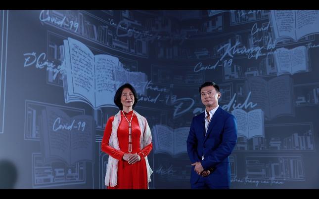 Nhà văn Việt kiều Pháp thắng COVID-19 xuất hiện ở 'Người trở về 2021' phát sau Giao thừa ảnh 1
