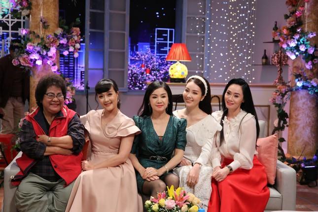Hồng Diễm-Hồng Đăng cùng dàn diễn viên vàng 'Gặp gỡ diễn viên truyền hình' Mùng 4 Tết ảnh 3