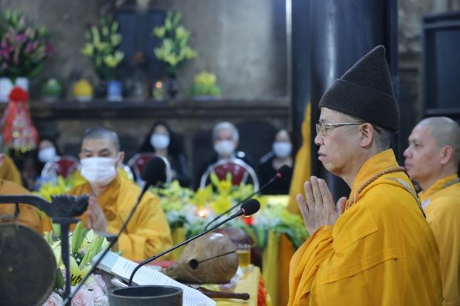 Chùa Phúc Khánh đóng cửa làm lễ cầu an trực tuyến ảnh 1